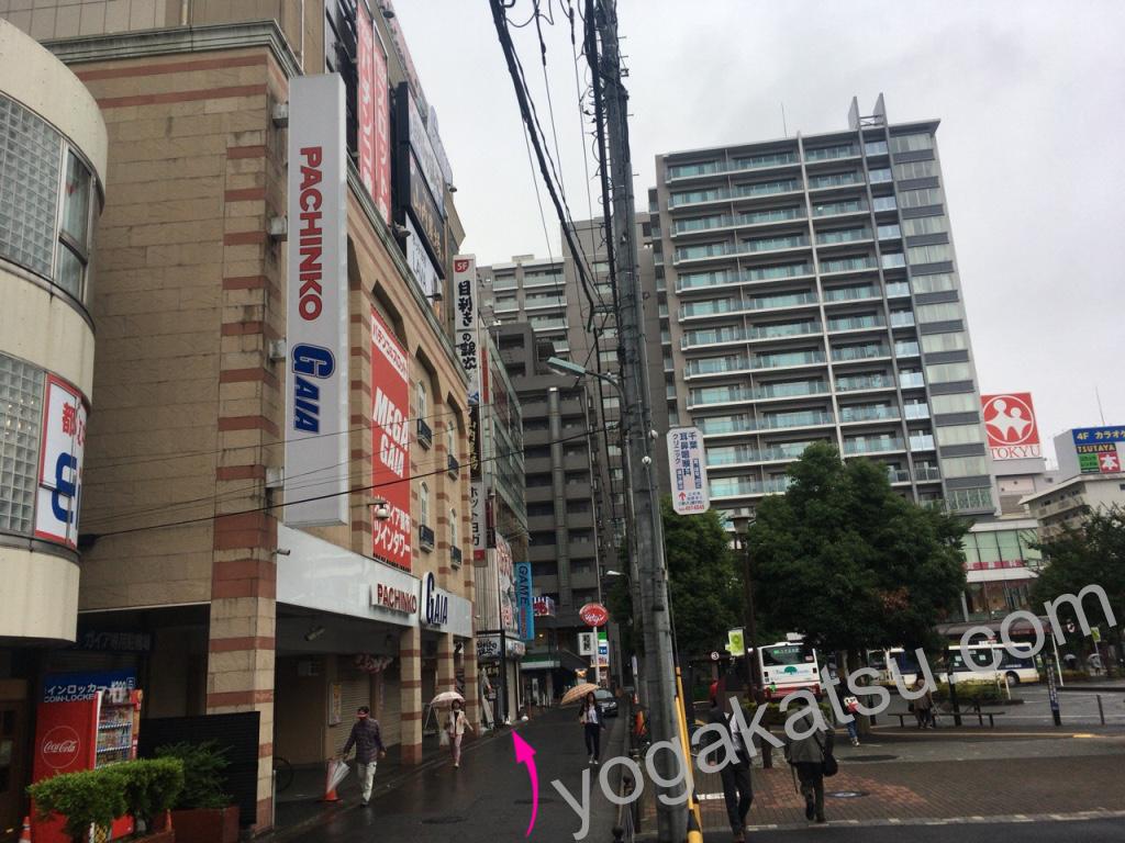 ホットヨガスタジオLAVA調布南口店までのアクセス3