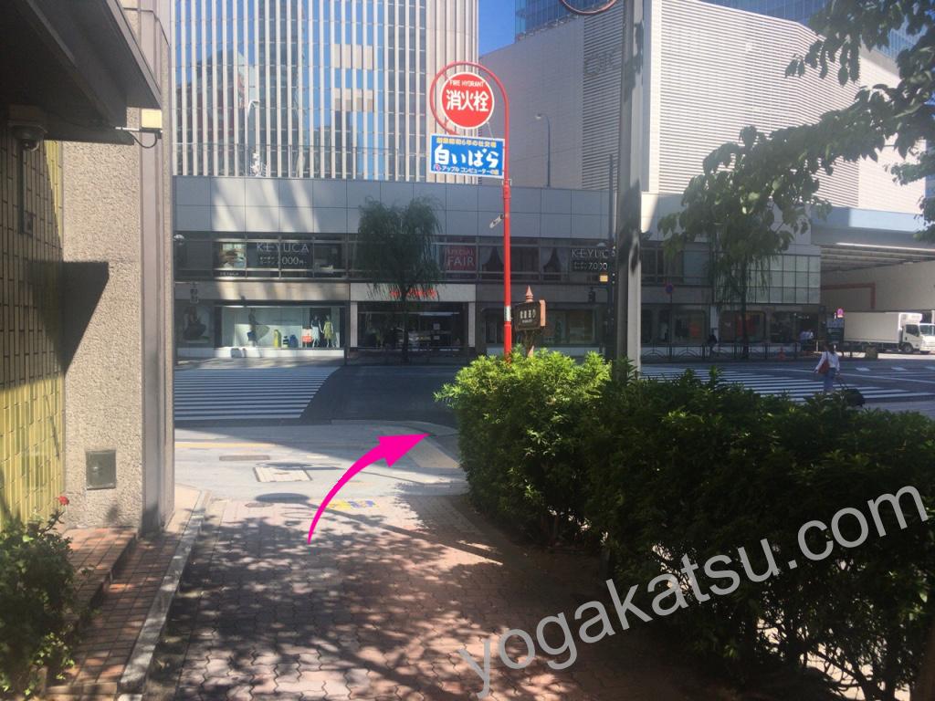 ホットヨガLAVA銀座グラッセ店までのアクセスに関する口コミ3