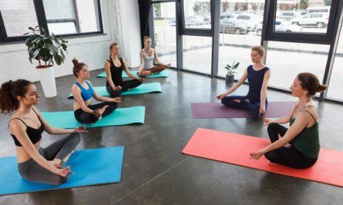 ヨガ教室 瞑想