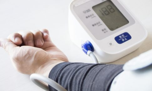 ヨガ 血圧 下げる,ヨガ 効果 高血圧